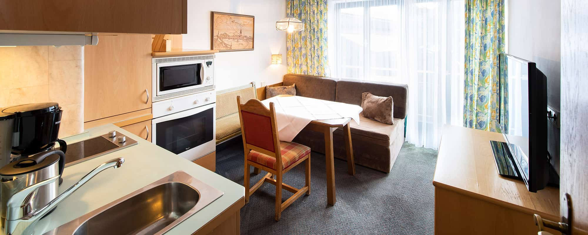 MANNI low budget vollausgetattete Apartments