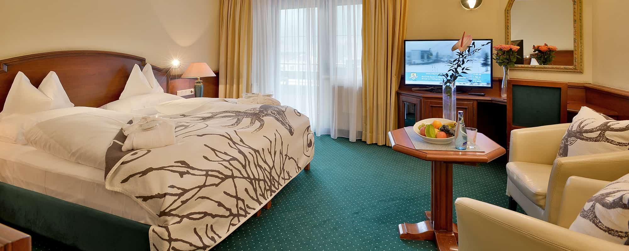 MANNI Classic Room doppelbett mit fernseher