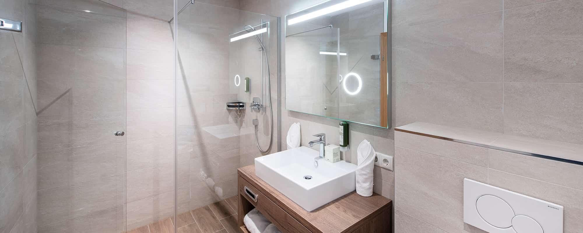 MANNI VIllage Badezimmer
