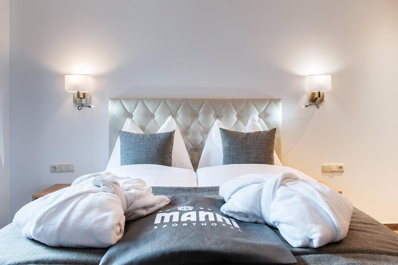 MANNI home großes doppelbett