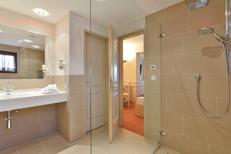 MANNI Suite Badezimmer